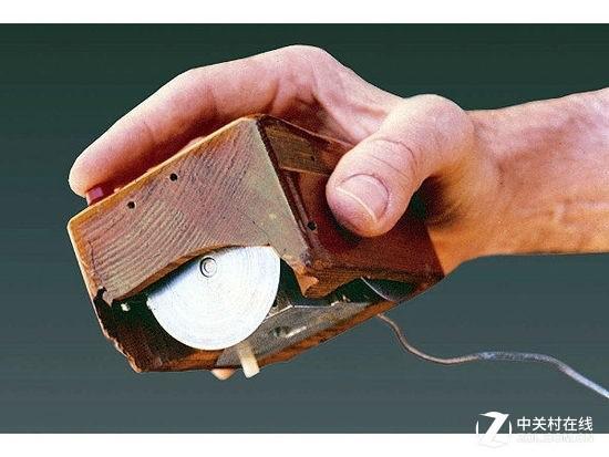 最早的鼠标 显示系统X-Y位置指示器