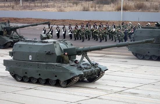 挑战黑人巨炮_美陆军重拾远程巨炮 提升4倍射程对付中俄