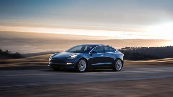 Model 3明年年初交付,特斯拉或优先生产昂贵版本