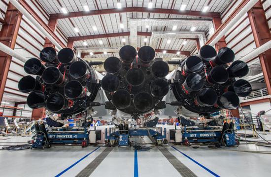 美国太空探索自行研发了梅林发动机。(来源:网络)
