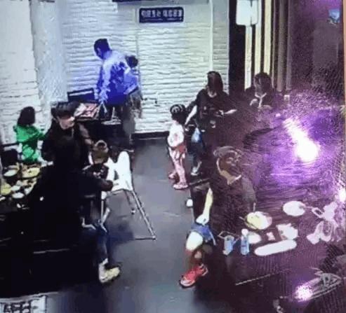 4歲女童因飯店亂叫被女子腳踹?當事雙方還原真相