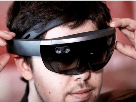 微软HoloLens配24核处理器 每秒可操作上万亿次