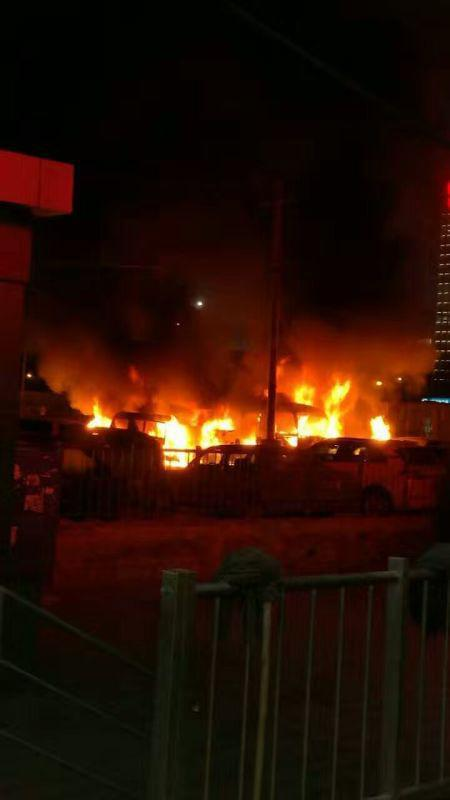 曝9号线科怡路站停车场发生火灾 现场传来爆炸声