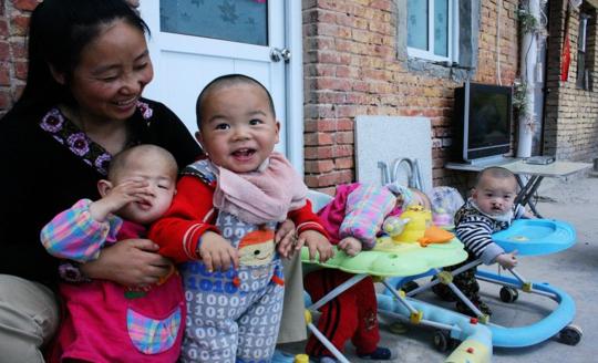 女百万富翁卖别墅收养弃婴 所建爱心村将被关停