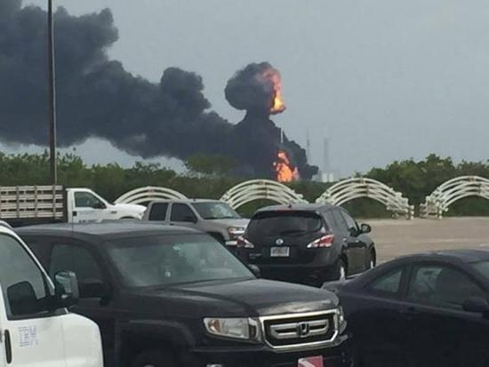 SpaceX发射台故障爆炸毁了一颗Facebook卫星