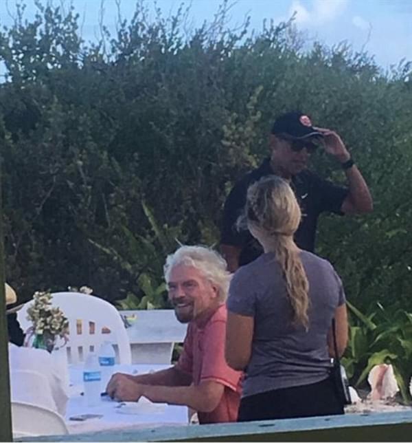 实拍奥巴马退休生活:与亿万富豪小岛度假