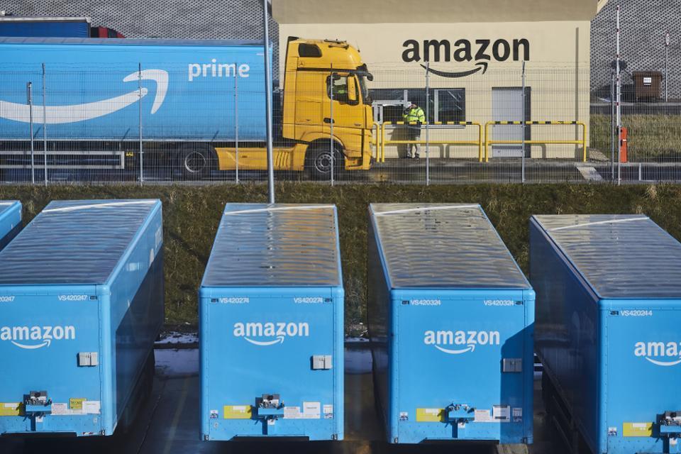 亚马逊创新主要靠自研、沃尔玛靠收购:谁能赢?