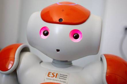 面对求饶的机器人 人类会不会心软?