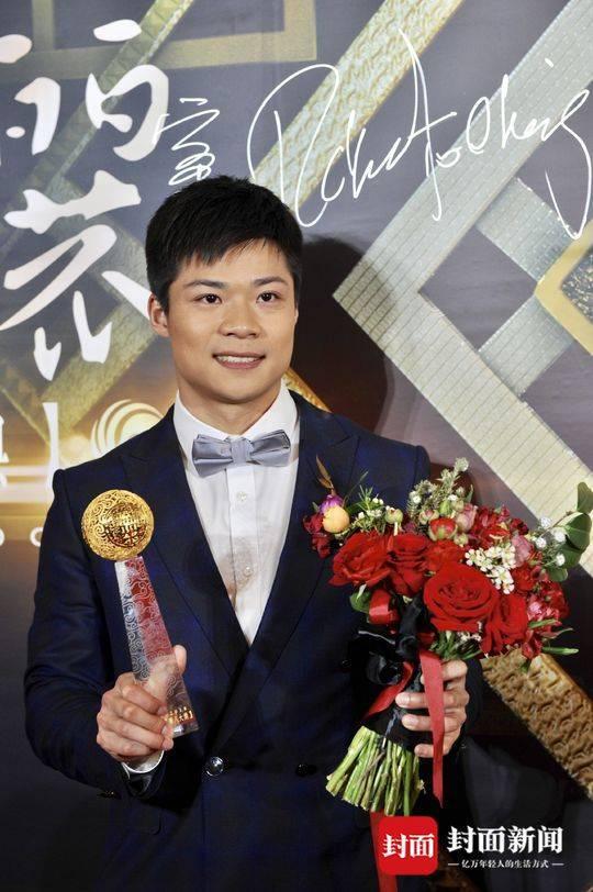 武大靖被问是否愿加入国家足球队:还是留在冰上好