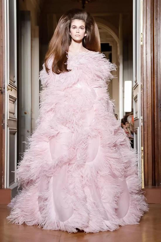 世界上没有Valentino不敢做的少女梦