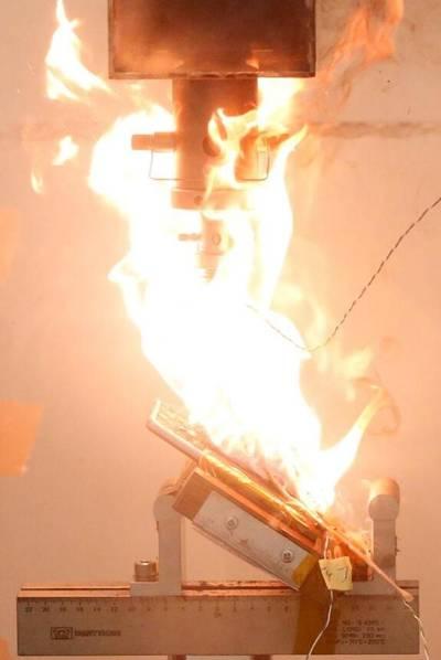 三星Note7爆炸到底有多恐怖? 实验为你揭秘的照片 - 4