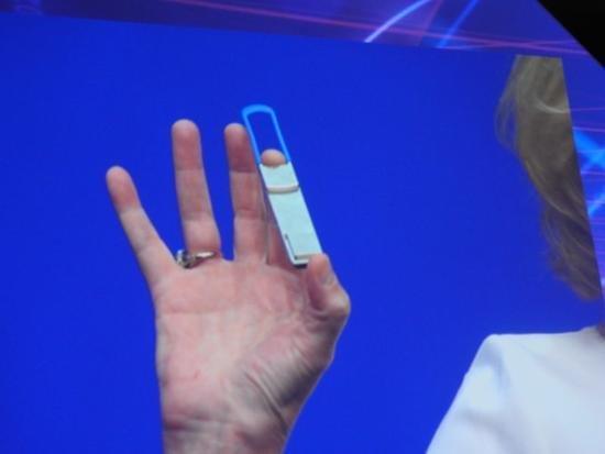 Intel推硅光子学产品 传输速率100GB s