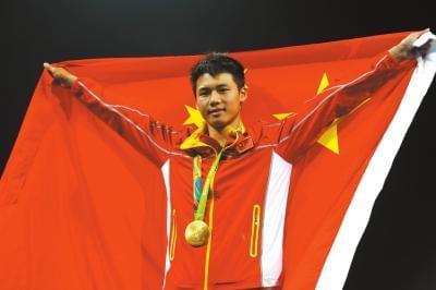 10米台上双冠王 陈艾森:下一个四年需要继续拼搏