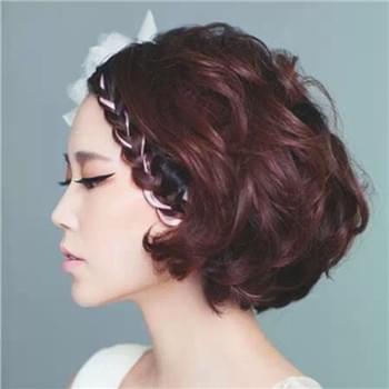 简单大气的新娘盘发步骤 新娘盘发设计图片