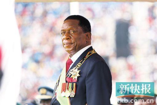 """姆南加古瓦就任总统 说穆加贝是他""""父亲"""""""