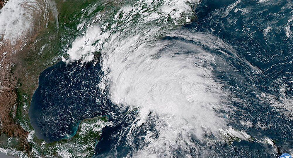 """颶風""""邁克爾""""升級為4級風暴 美佛州進入緊急狀態"""