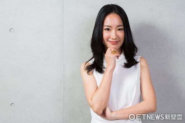 女星32岁出演首部作品就入围金钟奖 被亲姐调侃