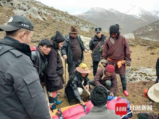 两驴友被困一骨折一高反 警民4800米海拔搜救41时