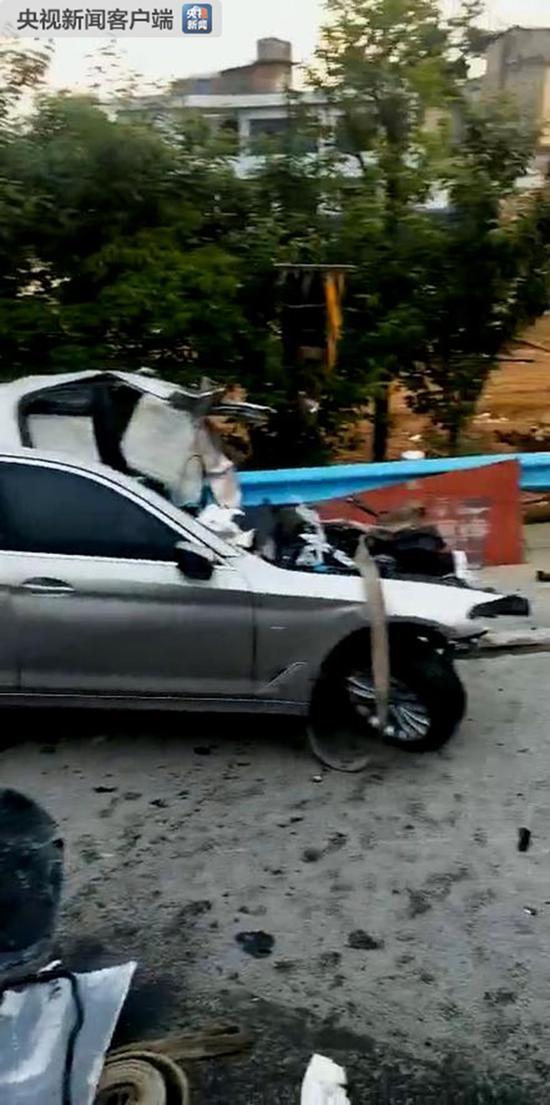 贵州宝马发生车祸视频图片