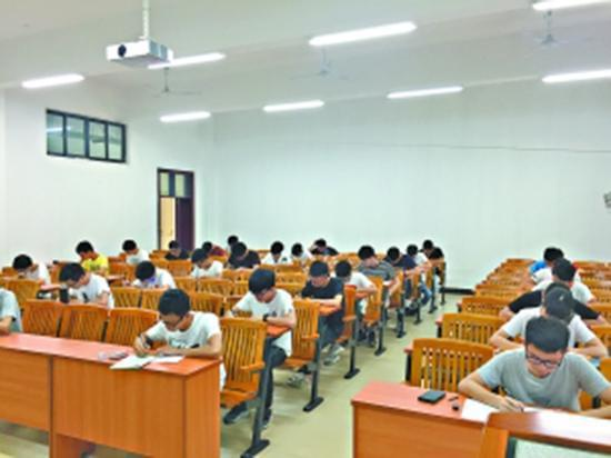 缘由:老师提出想法,学生自愿推行为何尝试无人监考?