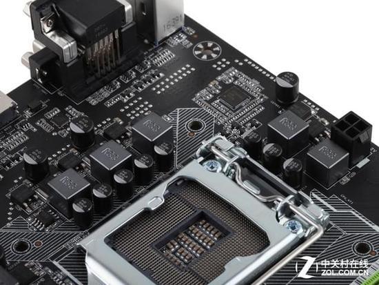 4+1相供电 铭瑄 MS-H110D4 Turbo M.2采用4+1相供电,可轻松搭配i3或者奔腾使用,目前这款主板的七代酷睿BIOS已经接近完成,下周出厂的批次可轻松支持G4560,旧批次升级BIOS后也能使用G4560.