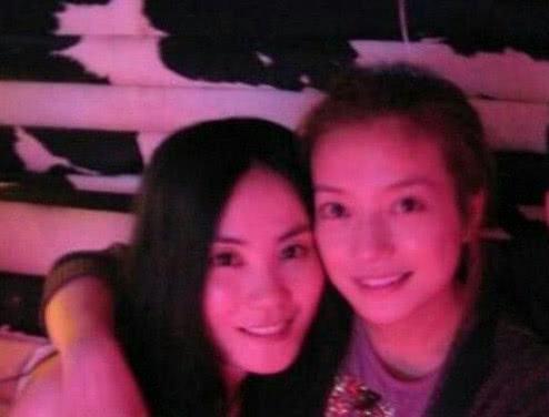 新节目前后脚播出 赵薇发文帮闺蜜王菲宣传情谊深