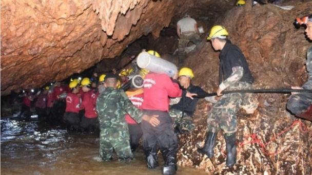 泰国少年足球队救援:抽走地下水 洞内水位会下降