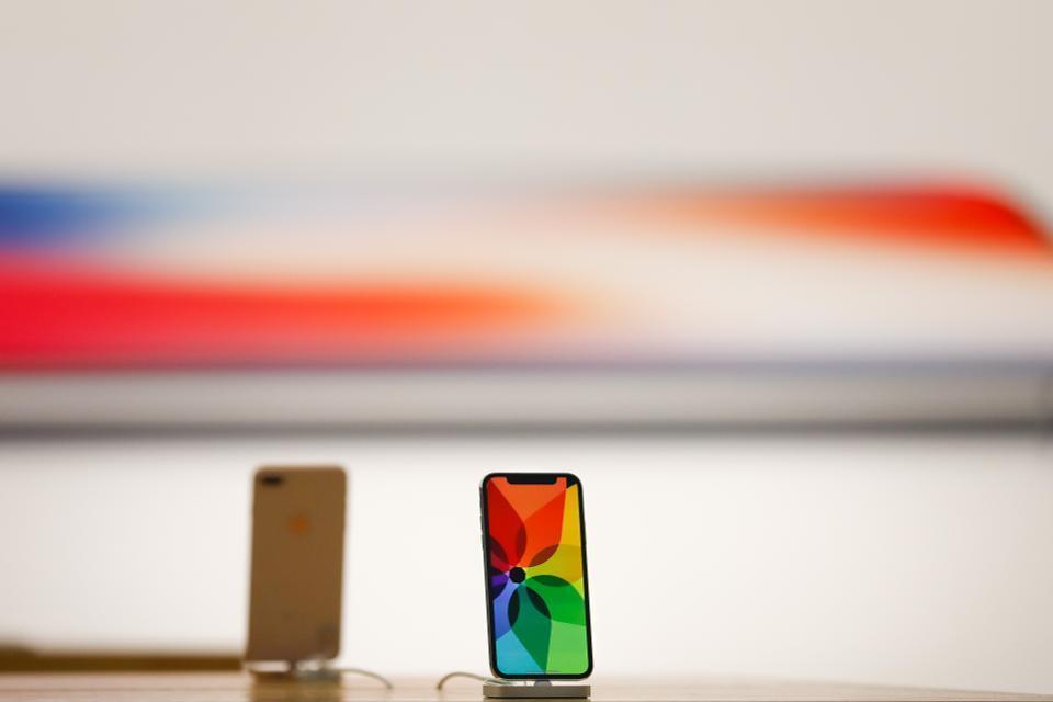 外媒:iPhoneX的狂热亦是苹果的强弩之末