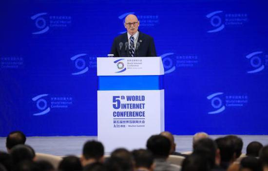 全球移动通信协会CEO:运营商花5万亿美元部署下一代网络
