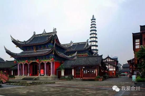 2011年,文峰塔公园内基本按原貌复建了清华楼.