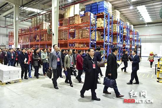 """新年上班第一天:浏阳市委书记三句话感动""""乡""""商(图)"""