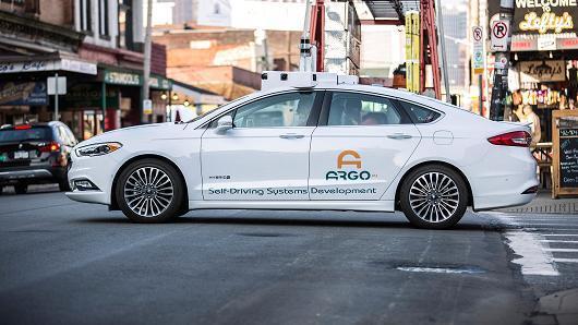 福特高管:对无人驾驶汽车来说,混合动力比纯电动