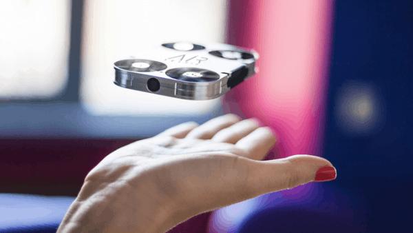 """真正的""""口袋无人机"""" 全金属机身比手机还小的照片 - 1"""