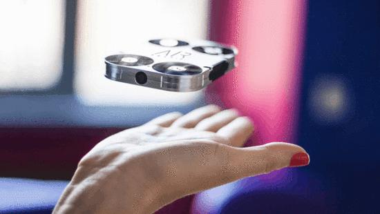 """真正的""""口袋無人機"""" 全金屬機身比手機還小"""