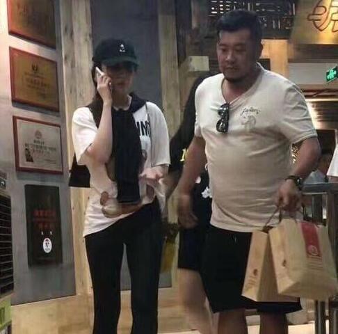 神仙姐姐不食人间烟火?刘亦菲重庆烫火锅爽翻了!
