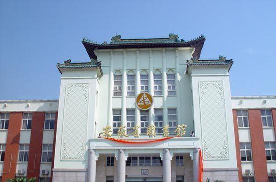 安徽省图书馆:上万册书刊长期未还 最长逾期10多年