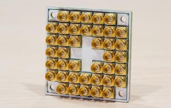 英特尔藏了黑科技 已交付17-qubit量子芯片