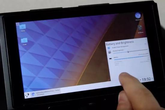 黑客将任天堂Switch变成了一个Linux平板
