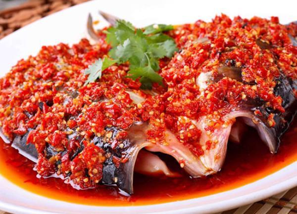 剁椒鱼头、苏式面……这所大学用46道家乡菜迎新生