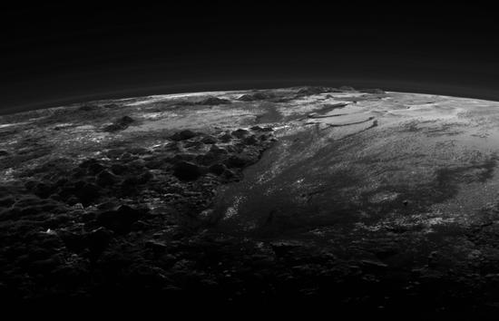冥王星上发现冰冻甲烷沙丘,还可能存在海洋