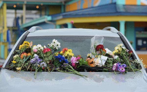 美沉船事故死者从1岁到70岁不等 9人来自同一家庭