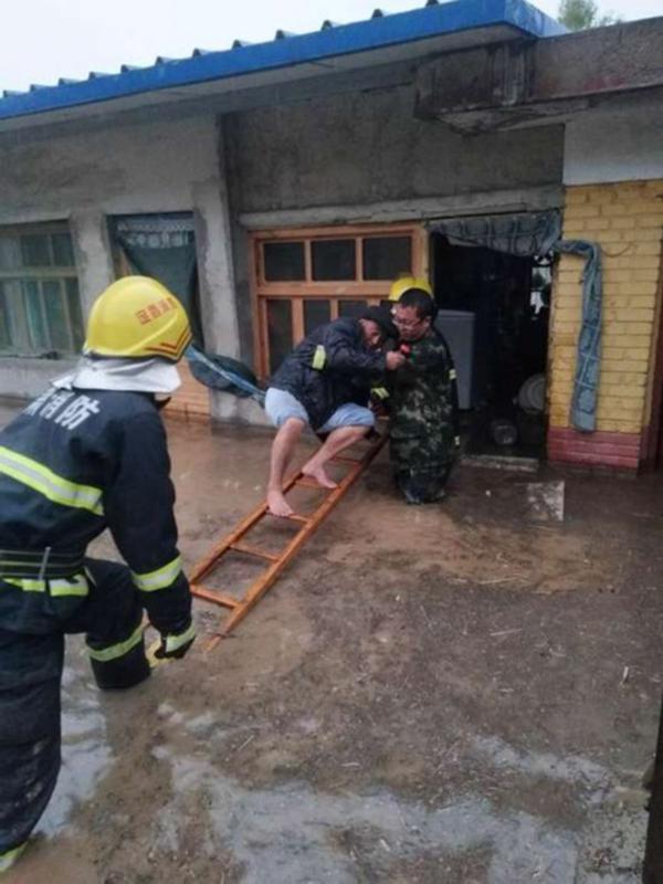 甘肃岷县遭遇强对流天气6个乡镇受灾 造成7人死亡