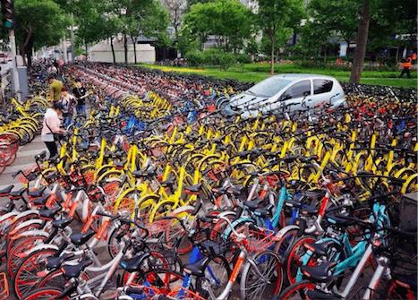 """共享单车市场的""""隐性拼版"""":公共资源零成本"""