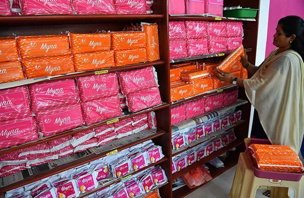 印度政府宣布对卫生巾全免税 宝莱坞护垫侠点赞