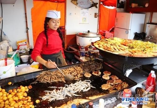 欧游之芬兰赫尔辛基 码头市场的美食 - 网易广西