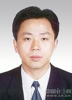 广东省委原常委李嘉受贿案一审开庭 当庭认罪悔罪
