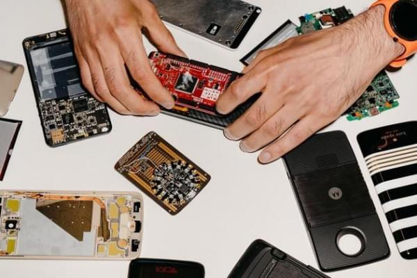 从梦想诞生到破灭:谷歌Ara模块化手机是如何死掉的的照片 - 3