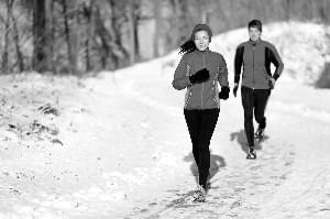 户外太冷 还能跑步吗?