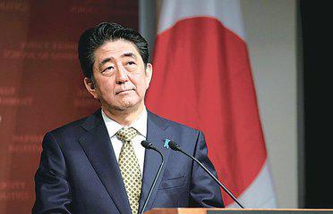 """安倍刚说改善对华关系 日本又渲染""""中国威胁"""""""