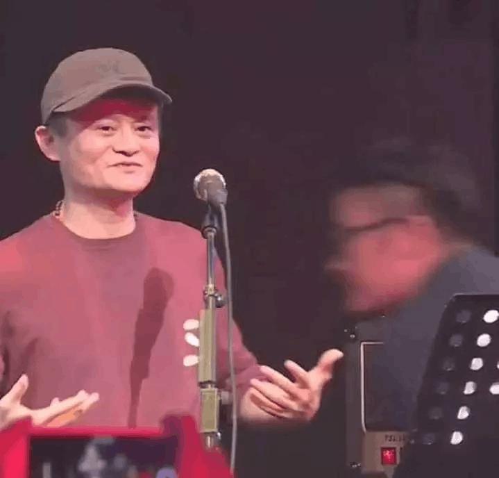 马云和李健的飙歌视频刷爆朋友圈!网友:这是被创业耽误的灵魂歌手